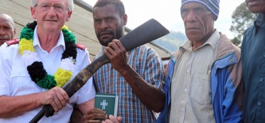 Warring tribes in Enga give up guns for bibles